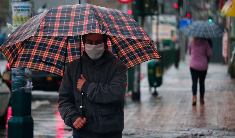 Lluvia en Santiago y la zona central: Pronóstico actualizado hasta este martes en la mañana