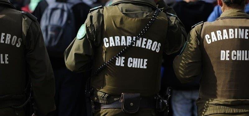 Carabineros desvincula a funcionario involucrado en denuncia de abuso en patrulla policial