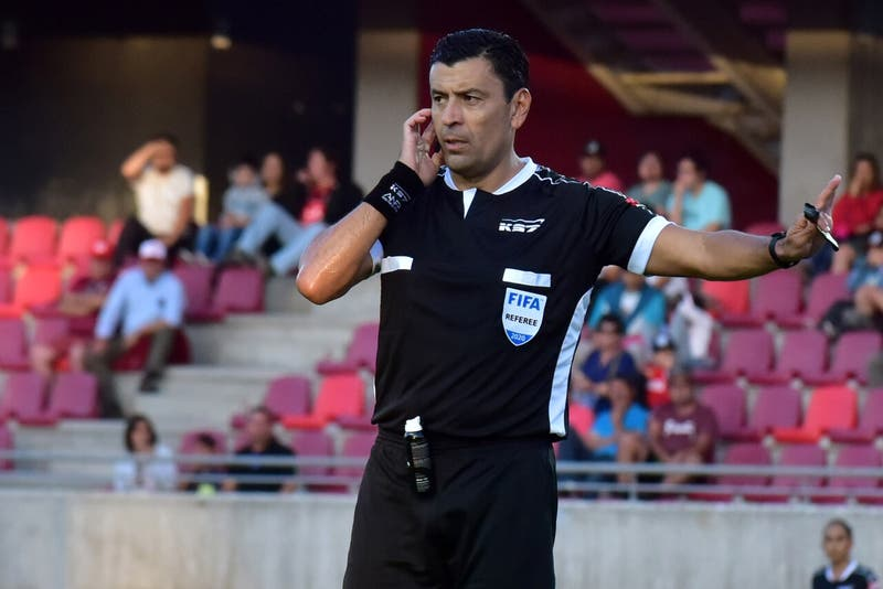 Por primera vez habrá españoles y con Tobar entre los chilenos: los árbitros de la Copa América 2021