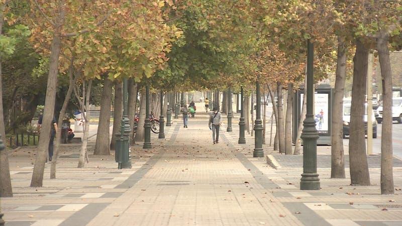 Comunas de sector oriente de Santiago registran mayor baja de casos activos: ¿saldrán de cuarentena?