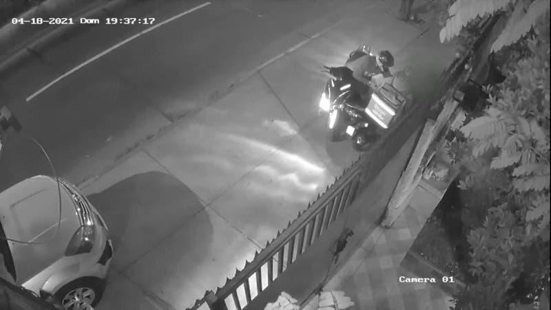 """[VIDEO] Se aburrieron de los robos: Repartidores crearon llamada """"defensa motorizada"""""""