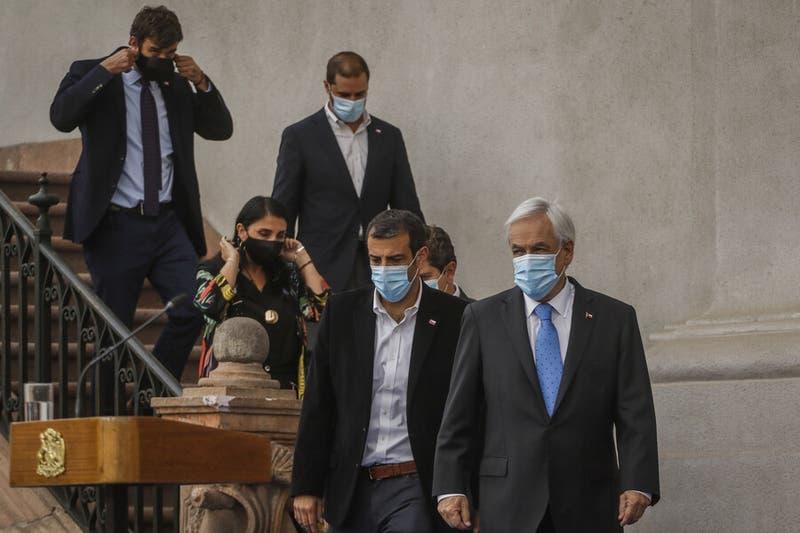 Ministros de Piñera aseguran que hubo unanimidad de ir al TC por tercer retiro de fondos de AFP
