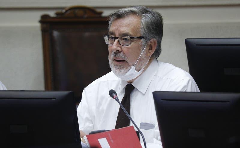 Guillier reactiva debate por destitución de Piñera y pide pronunciamiento a Comisión de Constitución