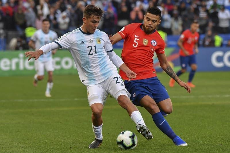 """""""¿Cuántos seguidores tienes en Instagram?"""": jugador chileno terminó así pelea con Argentina en Copa América"""