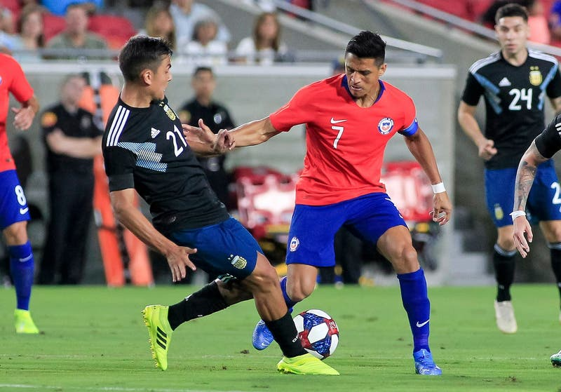 Paulo Dybala revela insólita pelea con un jugador de la Selección Chilena