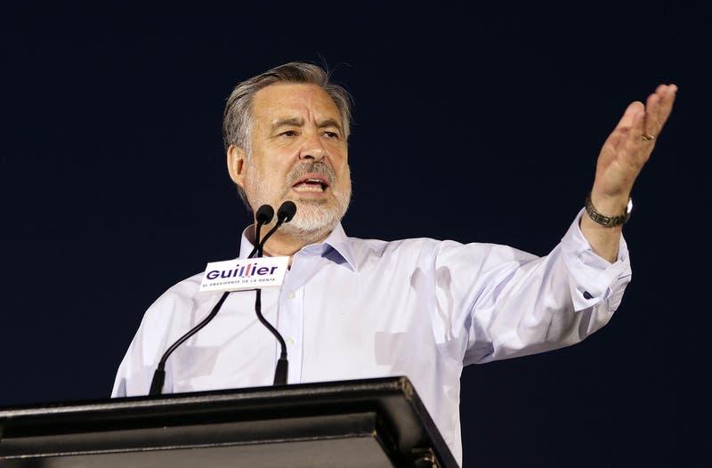 """Alejandro Guillier no descarta nueva candidatura presidencial: """"Tienes que estar disponible"""""""