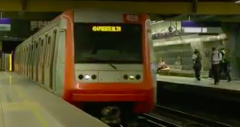 """[VIDEO] Estudiantes """"a un metro"""" de mejores oportunidades"""