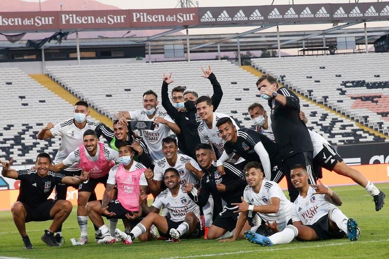 El íntimo festejo en el camarín de Colo Colo tras la victoria sobre la U en el Superclásico