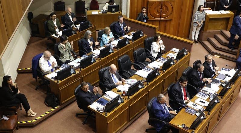 """Senadores de oposición y tercer retiro del gobierno: """"Parece una decisión para salir de un mal paso"""""""