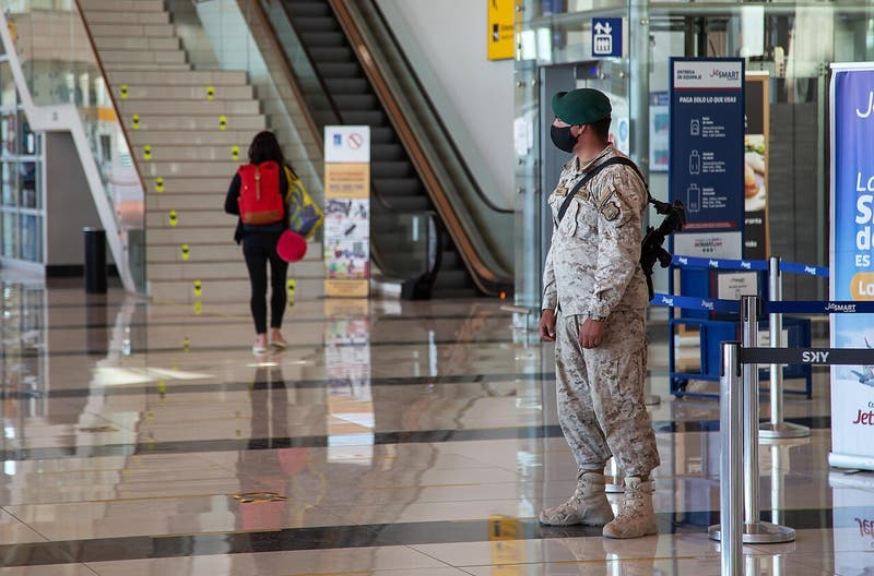Chile extiende el cierre de frontera aérea por coronavirus