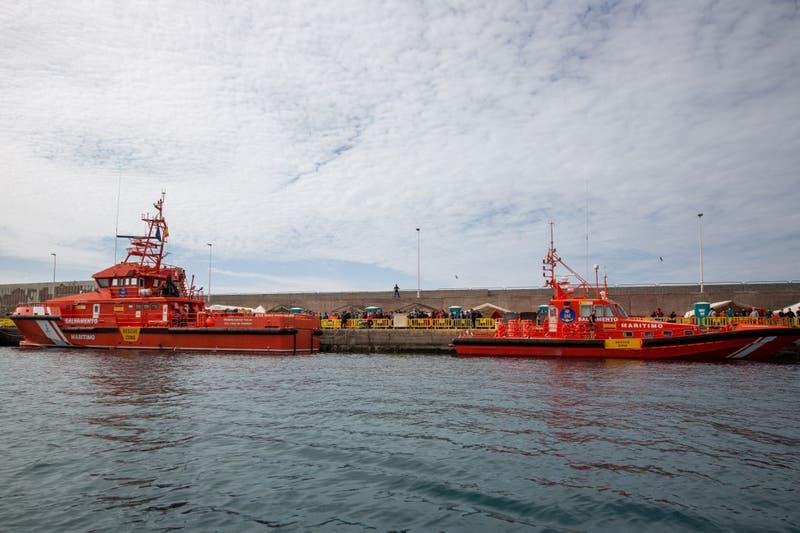 Encuentran 17 migrantes muertos en una embarcación frente a las costas de Canarias