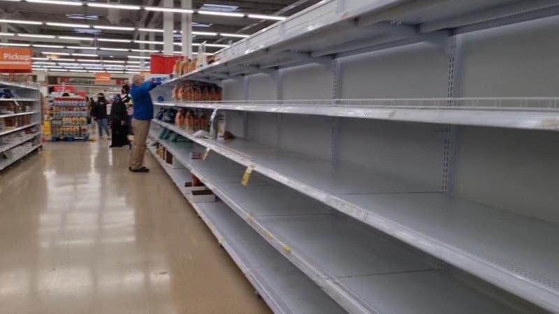 [VIDEO] Supermercados desabastecidos en Punta Arenas: conflicto en Argentina impide paso de camiones
