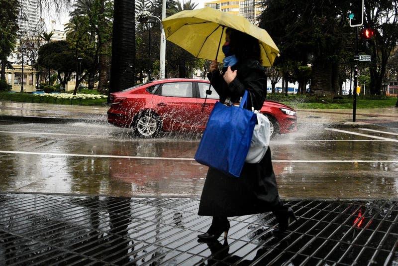 Lluvia en la RM: pronostican cuatro sistemas frontales para este fin de semana en la zona central