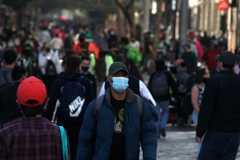 Coronavirus en Chile: Las comunas que avanzan y retroceden este jueves en el Plan Paso a Paso