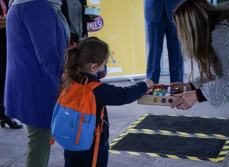 Clases presenciales en Fase 2: ¿Deben ir al colegio los alumnos de comunas en cuarentena?