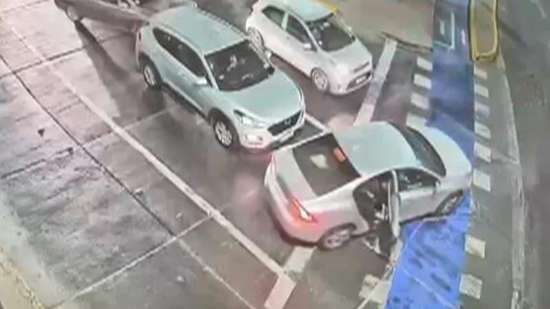 [VIDEO] Escolta de Katherine Martorell frustra encerrona a disparos en pleno centro de Santiago