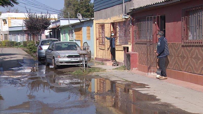 [VIDEO] Inundaciones por falta de mantención: salir de sus casas es un verdadero desafío