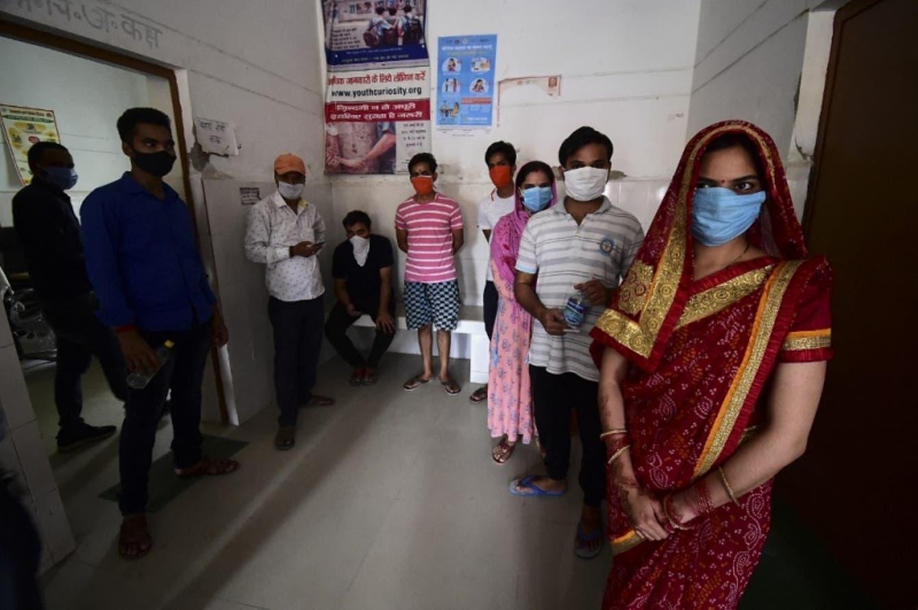 India registra 400.000 casos de Covid-19 en 24 horas y abre la vacunación a todos los adultos