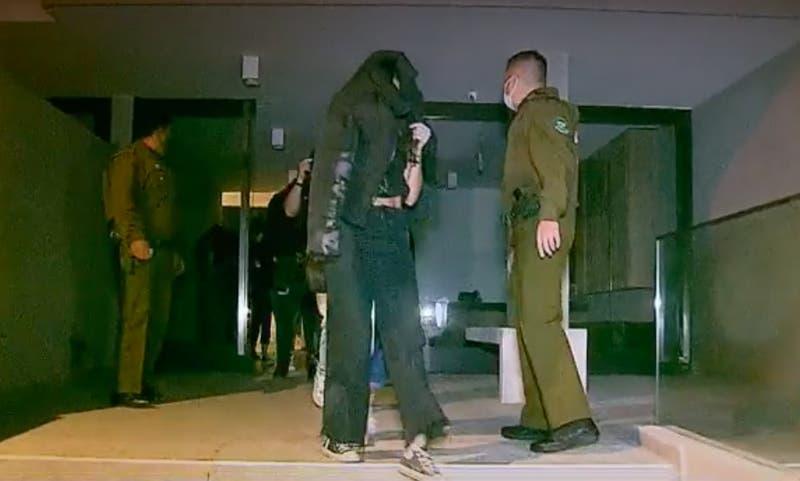 """[VIDEO] 87 personas fueron detenidas en la RM en tres """"fiestas ilegales"""""""