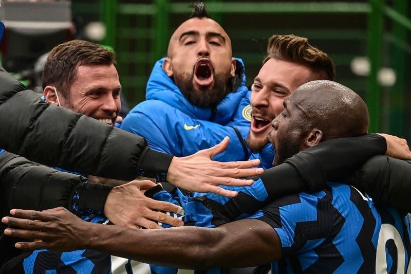 [VIDEO] La celebración de Arturo Vidal y su familia tras consagrarse campeón con el Inter