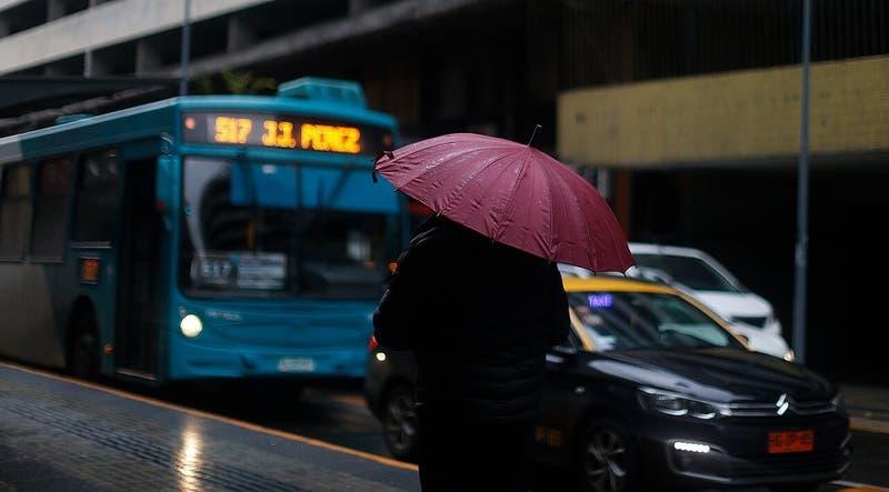 """Lluvias en Chile: El rol que juega """"La Niña"""" y la buena noticia de su comportamiento en mayo"""