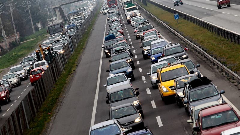 Automotora acusa quiebre de stock por retiros del 10% de las AFP