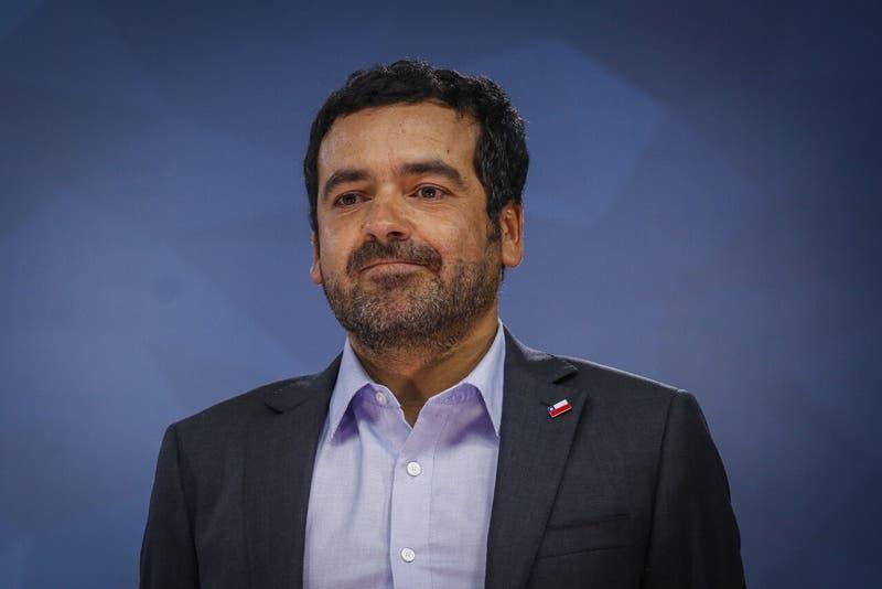 Renuncia subsecretario de Servicios Sociales, yerno de Cristián Larroulet
