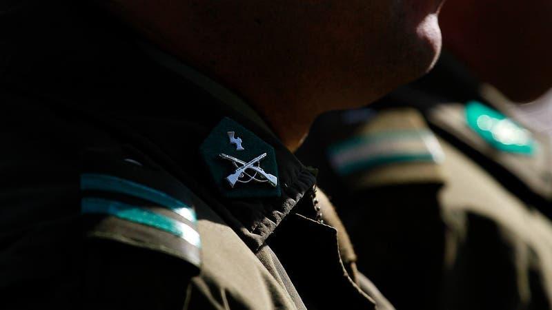 Adiós a las corbatas y camisas: Carabineros prepara cambios para su uniforme