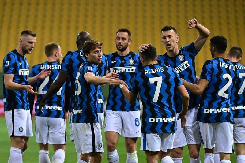 UEFA sanciona a nueve de los doce clubes que intentaron sin éxito la creación de una Superliga