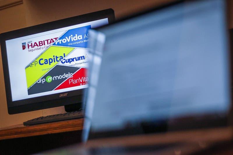 """Gobierno confirma fecha para solicitar el bono de $200 mil a quienes tengan """"saldo 0"""" en las AFP"""