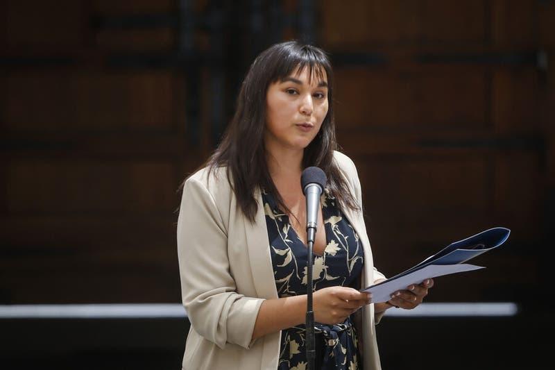Tribunal de Ética del Colmed abre sumario contra Izkia Siches por dichos contra el gobierno