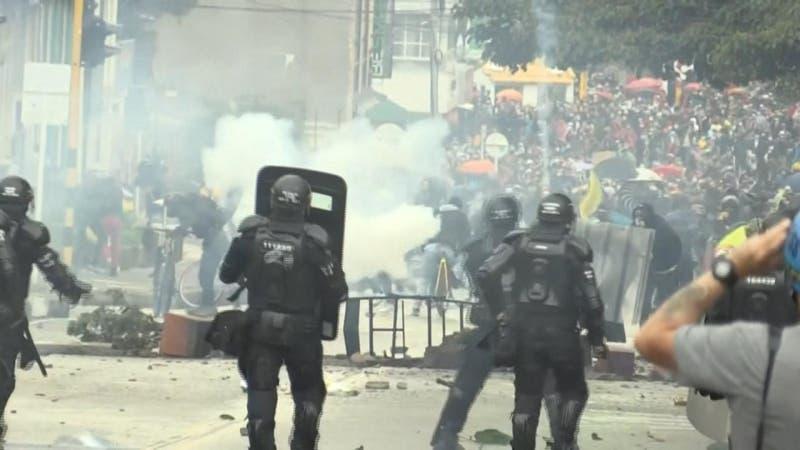 Mesa de diálogo en Colombia no llega a acuerdo y continúan las movilizaciones