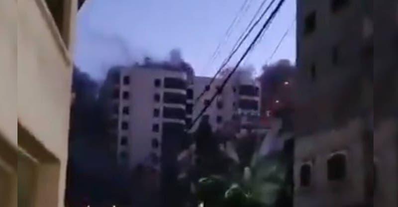 Bombardeo israelí provoca colapso de edificio de 12 pisos en Gaza