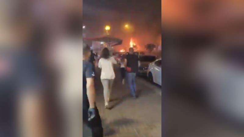 [VIDEO] Captan momento exacto en el que un cohete cae sobre un bus en Israel