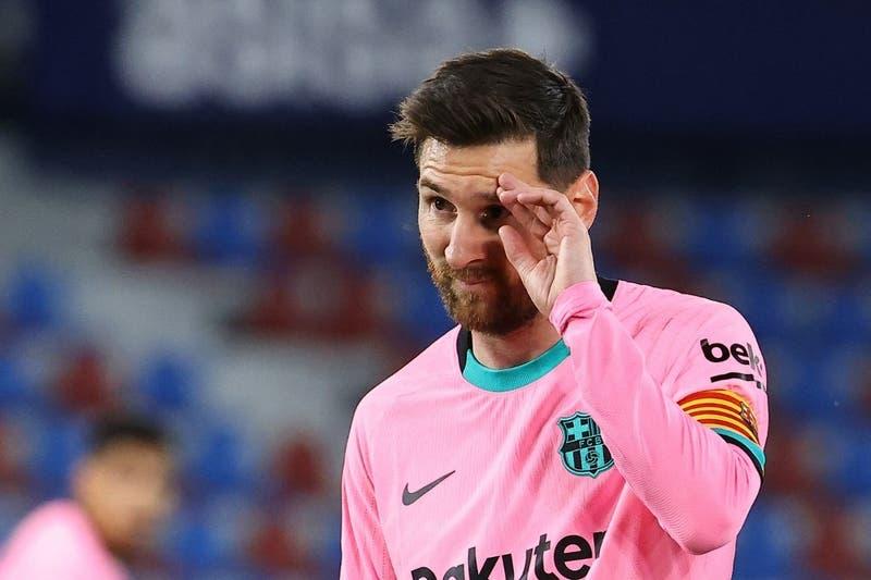 Barcelona solo empata ante el Levante y prácticamente se despide del título en España