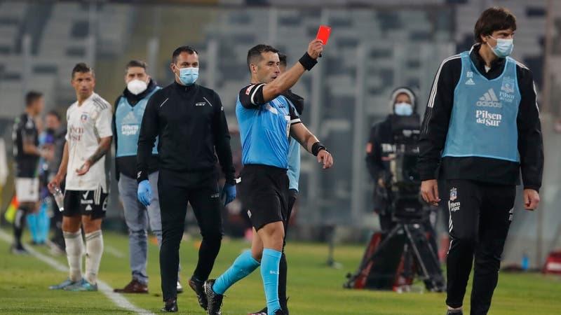 """""""Para mí, acción de juego"""": Revelan los audios del VAR en el polémico partido de Colo Colo"""