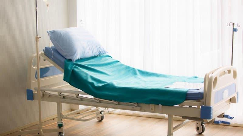 Hombre de 85 años cede su cama a uno más joven y luego muere por COVID-19
