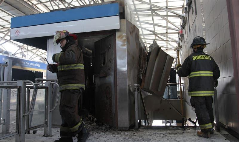 Condenan a joven por incendio en estación Pedrero: su tío fue absuelto del delito