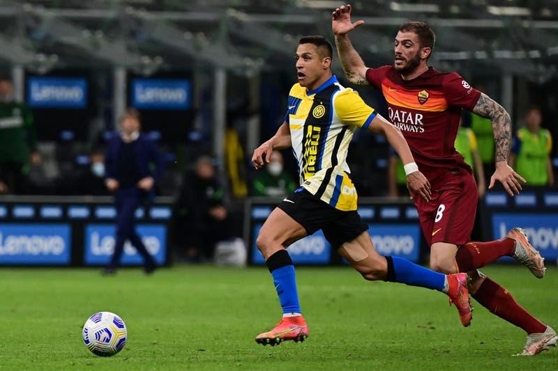Alexis Sánchez enciende las alarmas tras abandonar con problemas físicos en el Inter