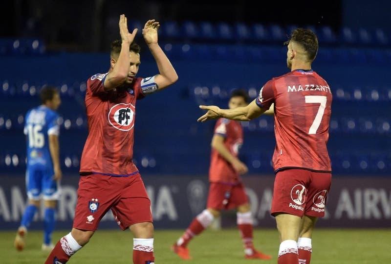 Huachipato vence a 12 de Octubre en Paraguay y es líder de su grupo en la Copa Sudamericana
