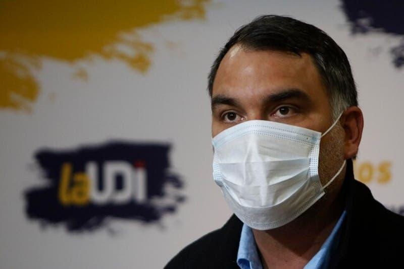 Presidente de la UDI busca pactar con Partido Republicano pese a rechazo de José Antonio Kast