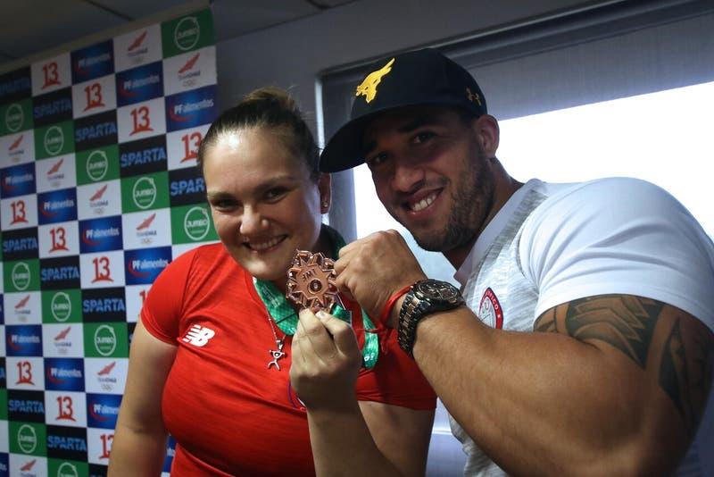 María Fernanda Valdés y Arley Méndez clasifican a los Juegos Olímpicos en levantamiento de pesas