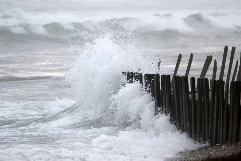 Armada emite alerta de marejadas para las costas del país