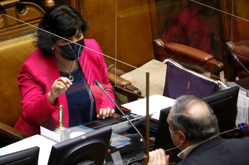 "Senadora Provoste vuelve a cuestionar dichos del gobierno ""vagos e imprecisos"" por mínimos comunes"