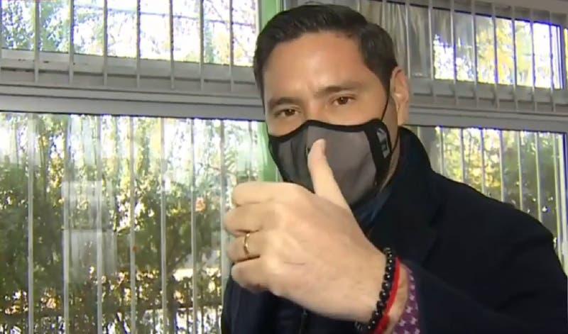 """Pancho Saavedra rompe récord en tiempo de votación: """"Cuando uno la tiene clara, lo hace altiro"""""""
