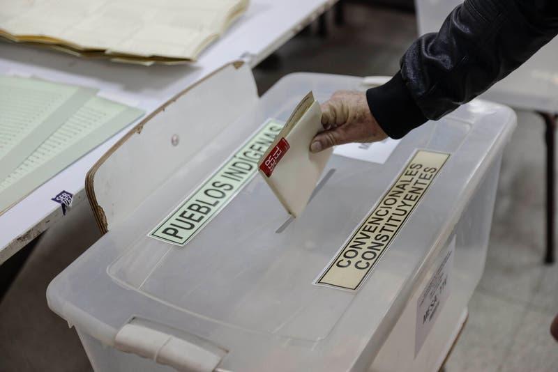 Permisos especiales en elecciones: ¿Puedo pasar a comprar después de ir a votar?