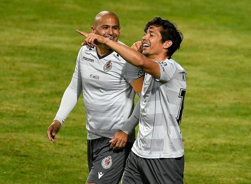 El golazo con que la UEFA saludó a Matías Fernández en su cumpleaños 35