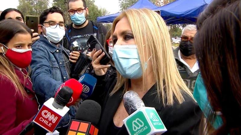 Pamela Jiles insulta al Presidente cuando acudió a votar