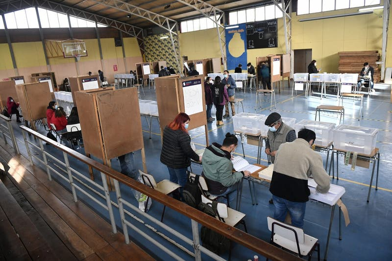 Gobernador de Biobío confirmó que había vocal de mesa Covid-19 positivo