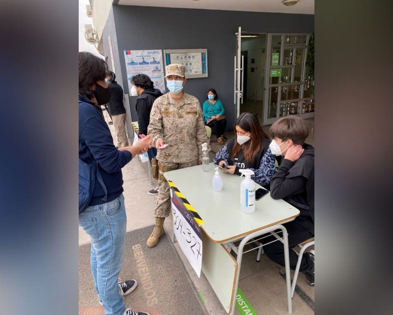 Más de 30 mujeres del Ejército son jefas de locales de votación a lo largo de Chile